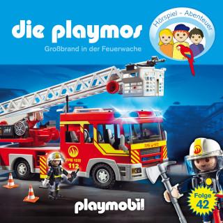 David Bredel, Florian Fickel: Die Playmos - Das Original Playmobil Hörspiel, Folge 42: Großbrand in der Feuerwache